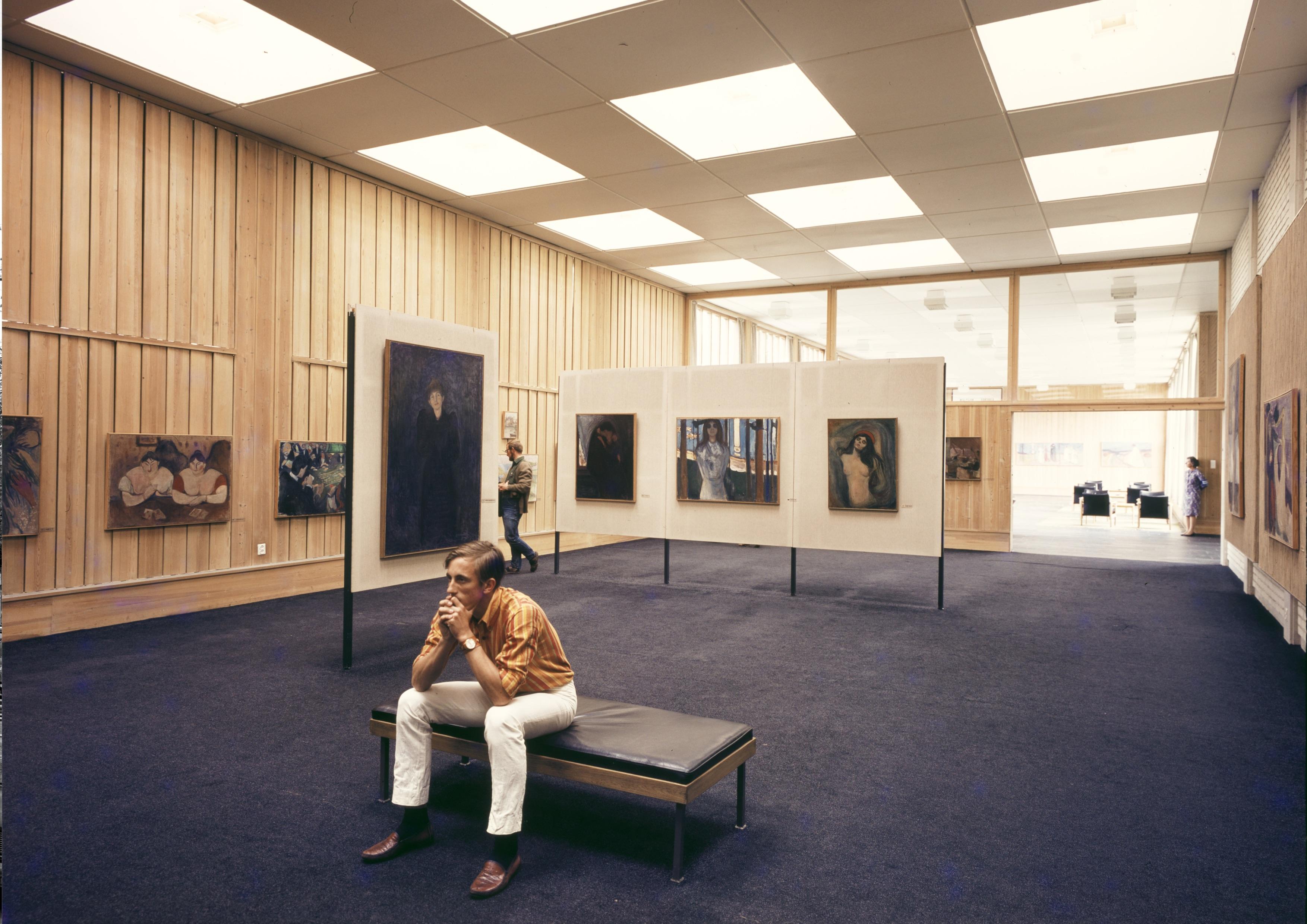 Foto av enslig publikummer (ukjent dato). Foto- Knudsens fotoatelier © Dextra Photo, Norsk Teknisk Museum
